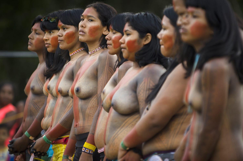 Mulheres Gavião Kyikatêjê corredoras